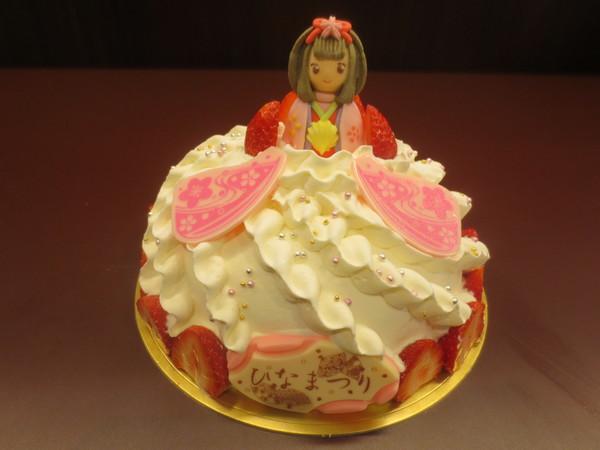 お子様に人気のおひなさまケーキドレスドールはアラモードへ